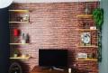 Saiba como aproveitar prateleiras para decorar a casa de forma funcional ou decorativa