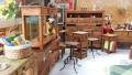 Designer comenta sobre a desmitificação da madeira de demolição para decoração